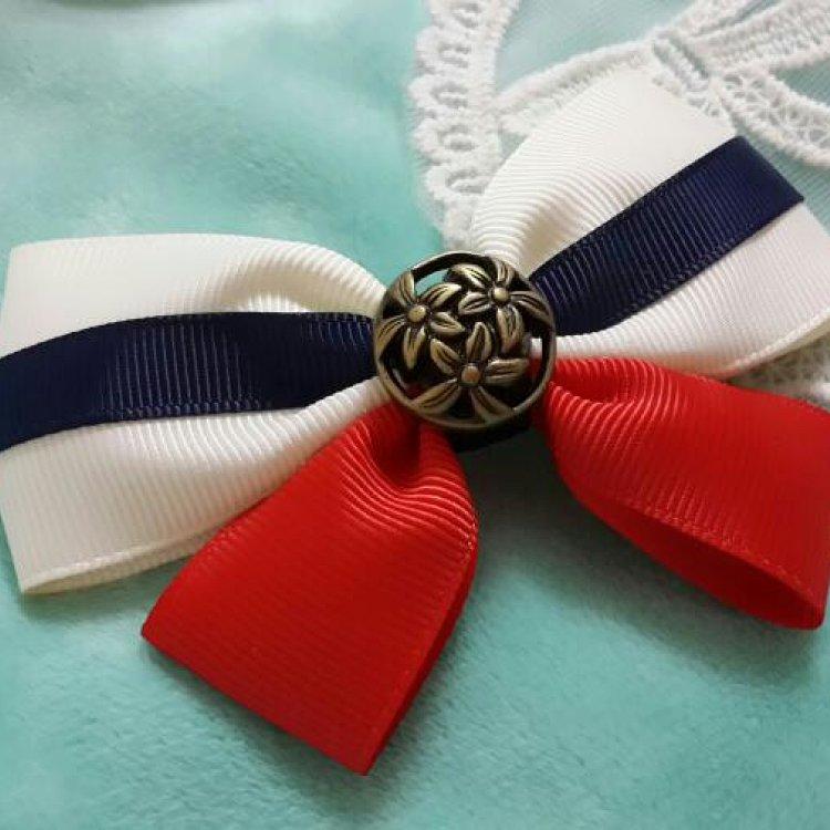 海军风三色蝴蝶结发卡 长度约为9cm 后部可选两片式弹簧夹或鱼嘴夹