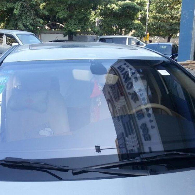 福耀高科技low-e防晒节能镀膜 荣威550轿车前挡(带支架)(含玻璃价)