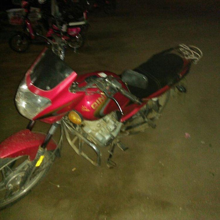 摩托车125