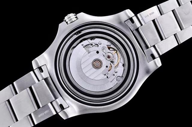 GF 复仇者 GMT 双时区 45mm插图6