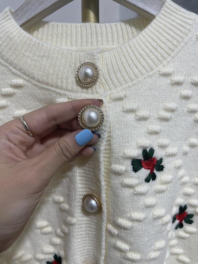 少女收割机:sandro原单 2021款柔软修身秋季针织毛衣 团购价269元包邮(天猫类似2000~3000元) 买手党-买手聚集的地方
