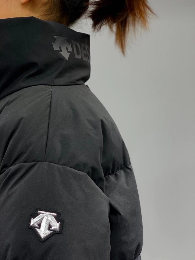 显腿长、小个子福音:迪桑特 2021冬季情侣加厚立领羽绒服 团购价389元包邮(吊牌价2590元) 买手党-买手聚集的地方