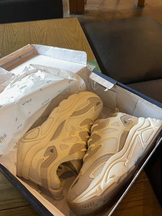 【售罄】脚感轻盈、四季可穿搭:FILA 斐乐 火星老爹鞋 团购价199元包邮(吊牌价780元) 买手党-买手聚集的地方
